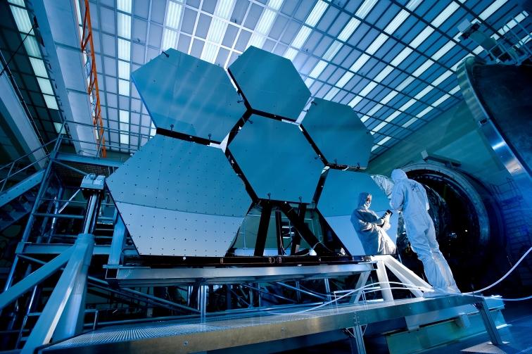 James_Webb_Space_Telescope_Mirror37.jpg